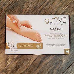 New sealed gLove Treat Boots w/Parasilk Paraffin